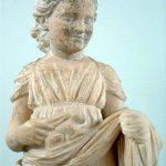 L'enfant au lapin (CC 3.0 Napoleon VIe, Musée de Brauron, Grèce)